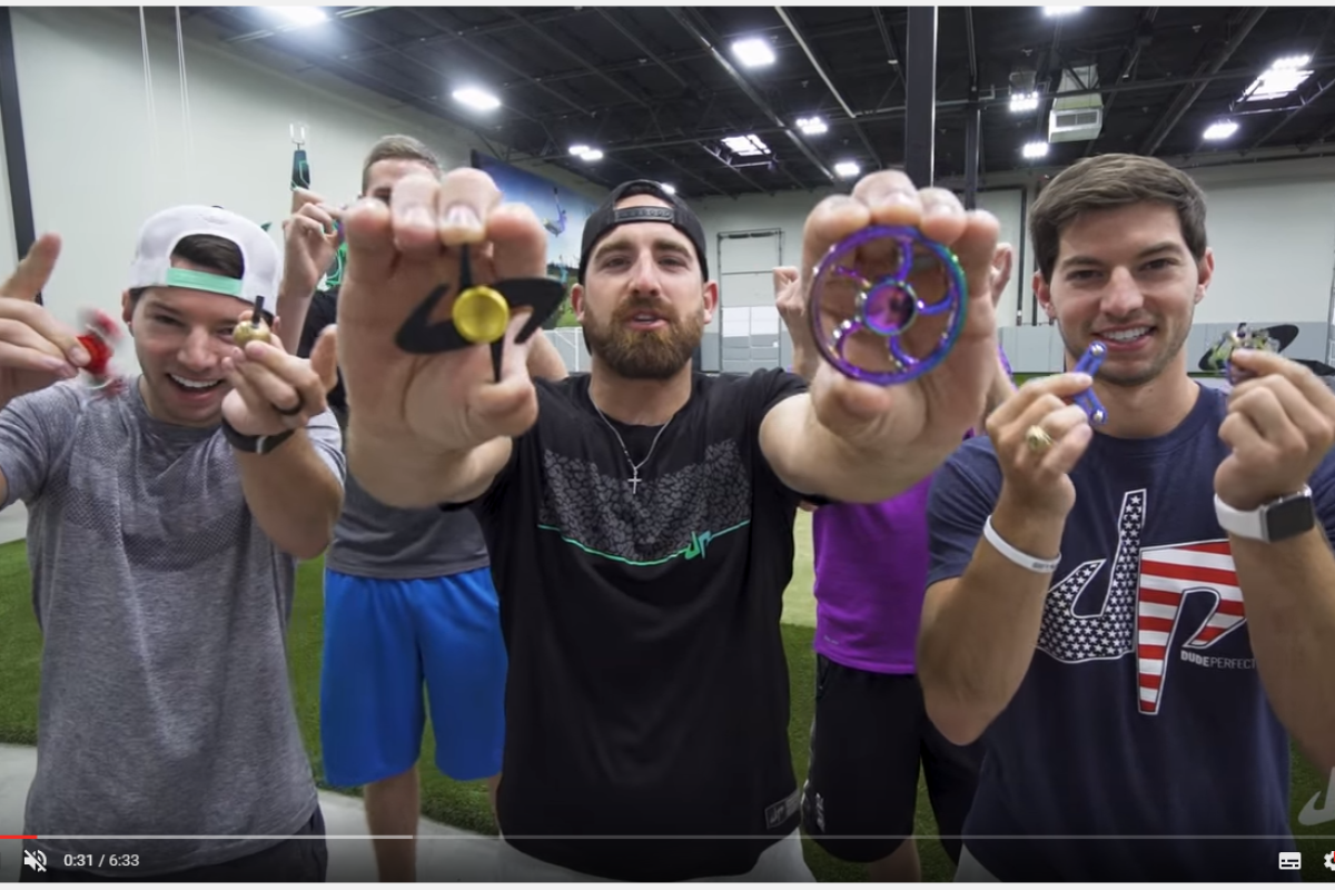 Fidget Spinner: Kuriose Trick-Shots mit Dude Perfect