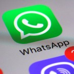 WhatsApp-Ikon auf Smartphone-Display