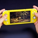 Nintendo Switch Lite in gelb.